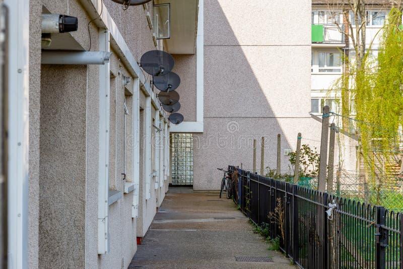 Bloc de logement municipal au R-U photos stock
