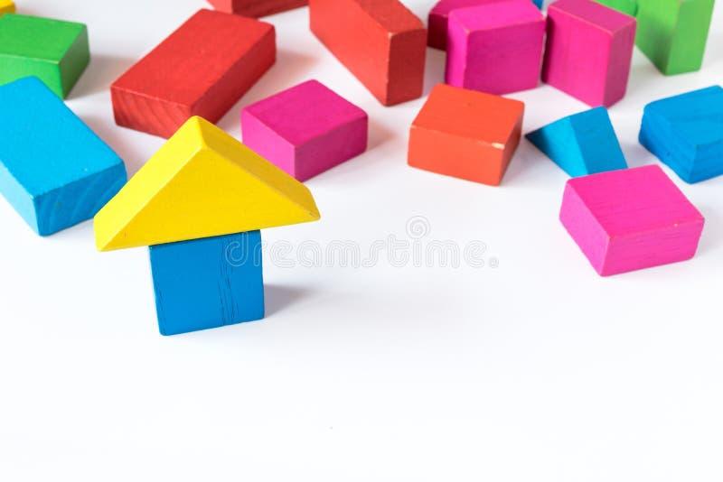 Bloc en bois de jouet, concept de maison photo libre de droits