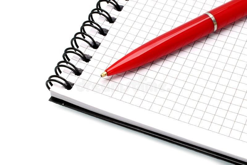Bloc-notes avec le plan rapproché de crayon lecteur de bille image libre de droits