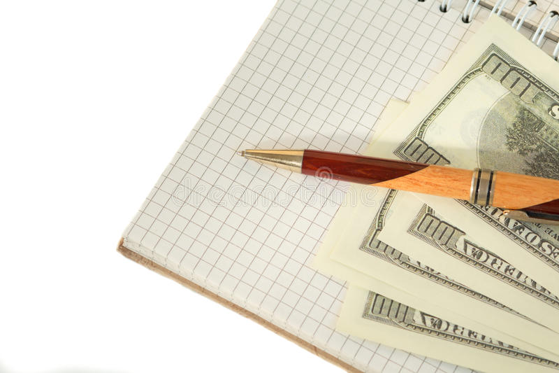 Bloc-notes avec le stylo sur le fond gris-clair images stock