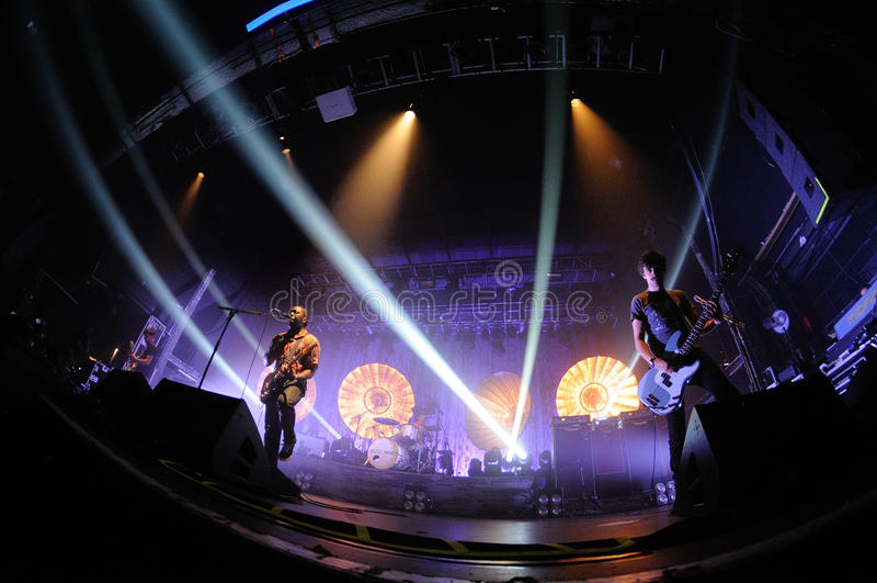 Bloc Party, Brytyjski indie zespół rockowy, wykonuje przy Razzmatazz klubami. zdjęcia royalty free