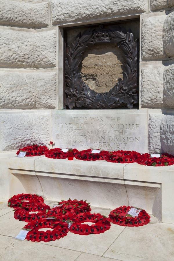 Blocao de la choza de Tyne en el cementerio de la choza de Tyne en Ypres imagenes de archivo