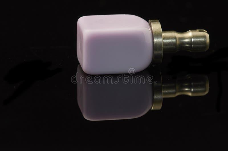 Blocchetto vetro-ceramico di Disilicate del litio per la tecnologia di camma di cad immagine stock libera da diritti