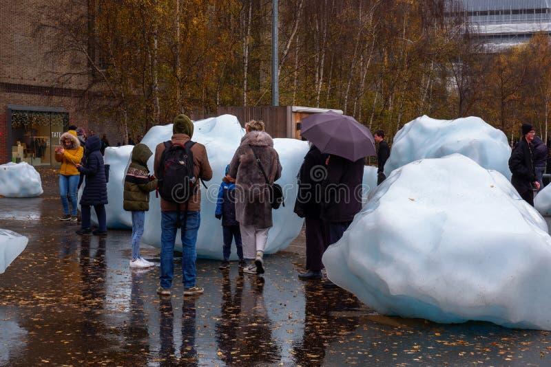 Blocchi di ghiaccio giganti a Londra fotografia stock
