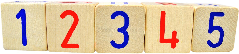 Blocchi di legno in bianco con i numeri su un bianco fotografia stock libera da diritti