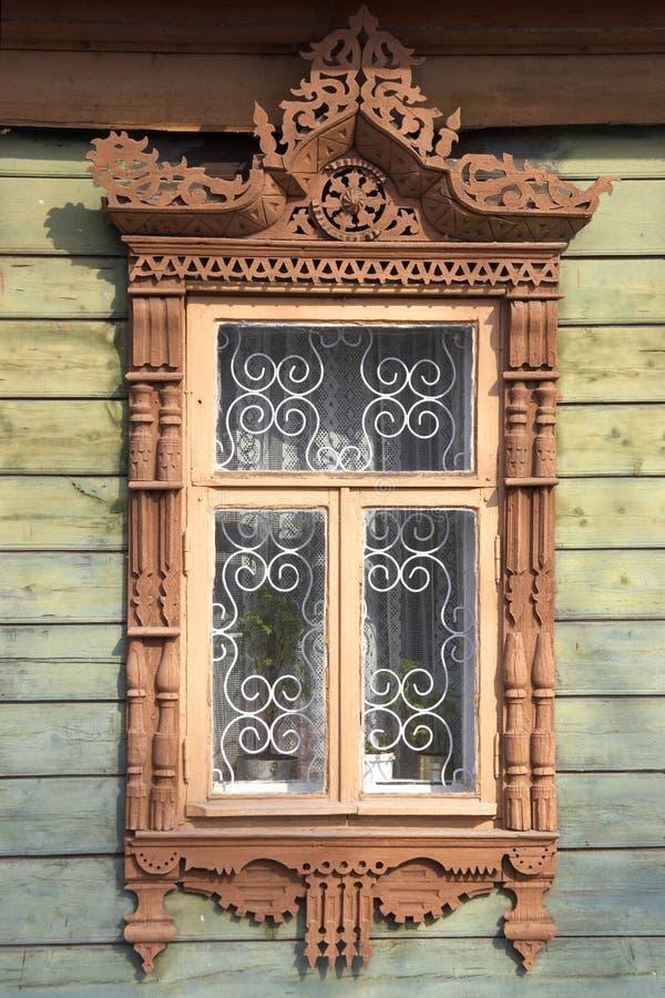 Blocco per grafici di finestra di legno intagliato fotografie stock libere da diritti