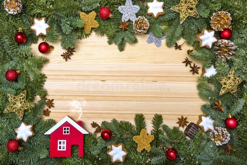 Blocco per grafici magico blu di natale Cartolina di Natale Saluti del ` s del nuovo anno Pagina con i rami di un albero di Natal fotografia stock