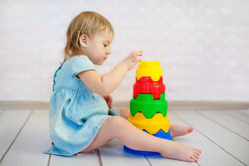 block lurar den leka toyen royaltyfri fotografi