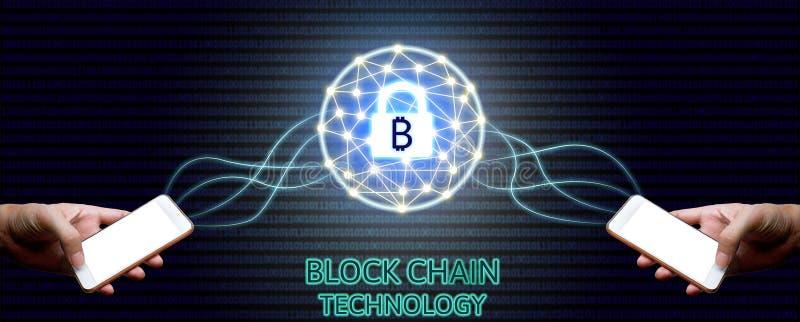Blockchain-Technologiekonzept, Geschäftsmann zwei, der smartphon hält stockfotos
