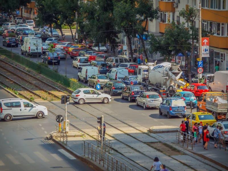 Blockering för Bucharest morgontrafik royaltyfri foto