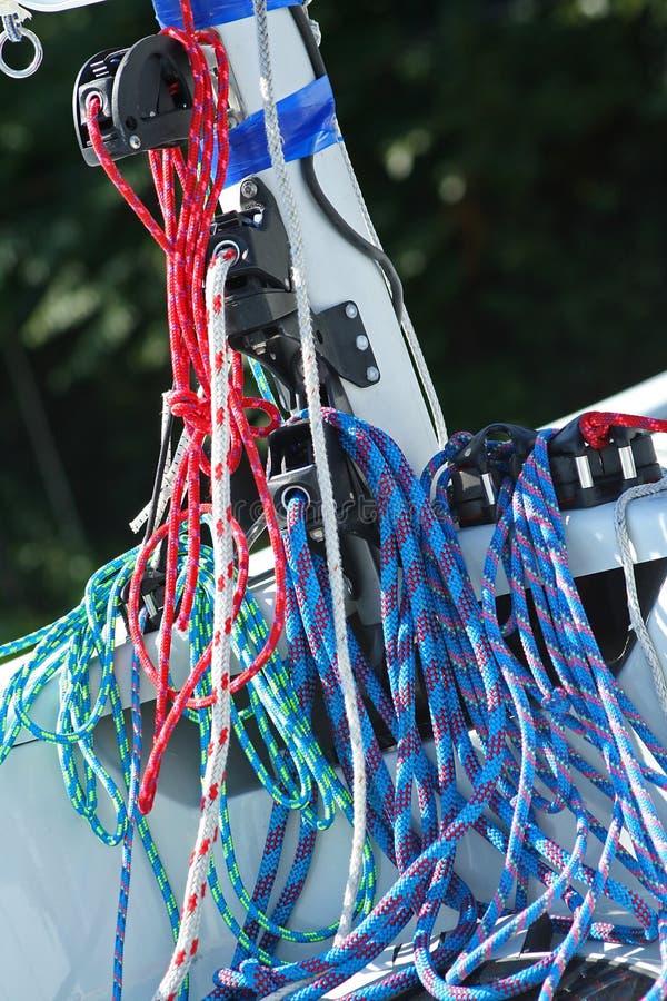 blockfärg cords rigging royaltyfri foto