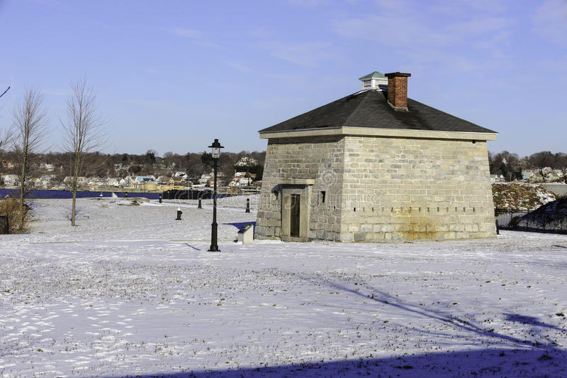 Blockhaus am Fort Trumbull-Nationalpark lizenzfreie stockbilder