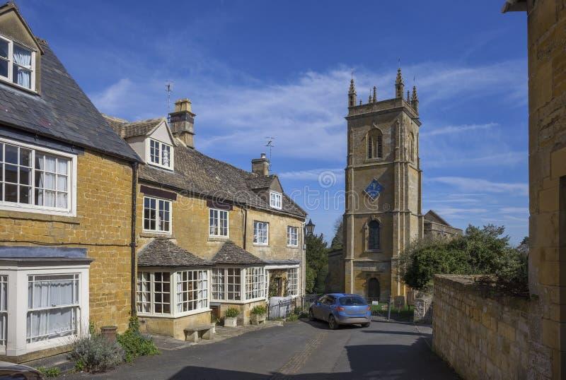 Blockley bykyrka, Gloucestershire arkivfoto