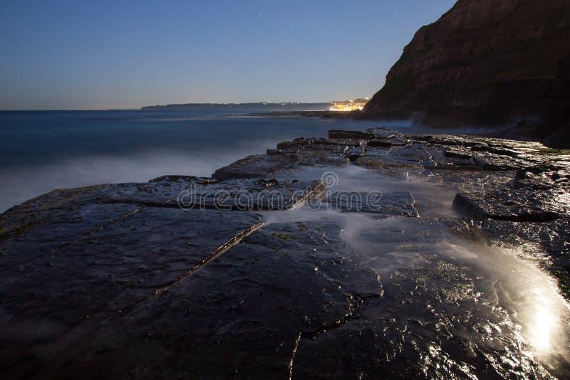 Blockwagen-Loch - Felsen-Plattform Newcastle Australien lizenzfreie stockfotografie