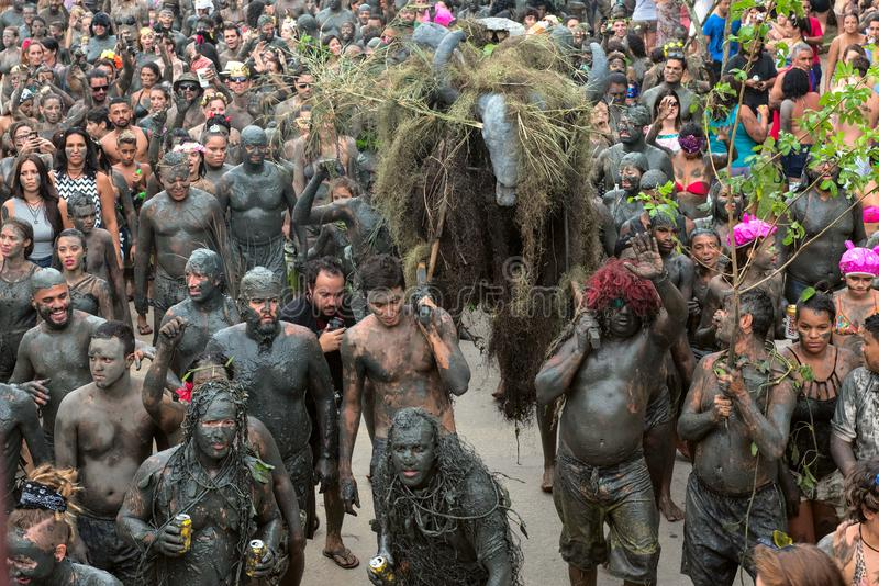 "Bloco da喇嘛†""肮脏的狂欢节在Paraty,里约热内卢状态 免版税库存照片"