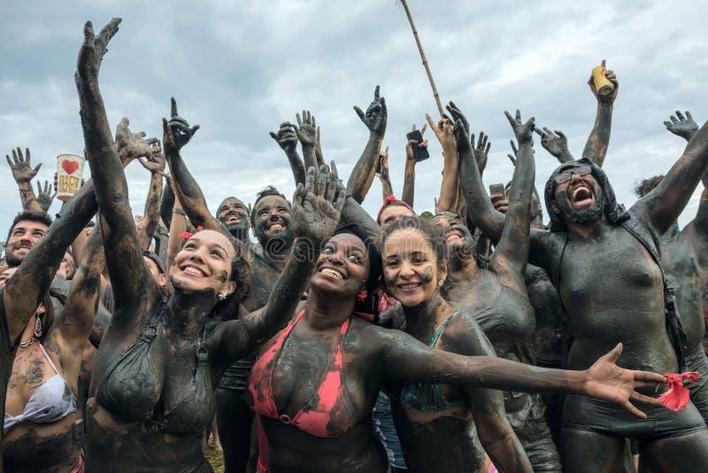 Bloco da喇嘛-肮脏的泥狂欢节在Paraty,里约热内卢 免版税库存照片