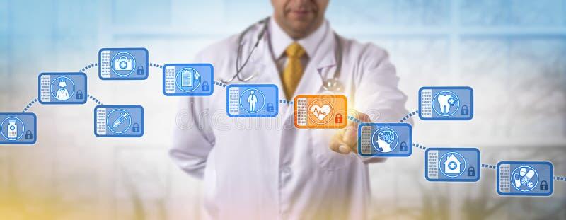 Bloco de acesso do clínico em Blockchain médico fotografia de stock
