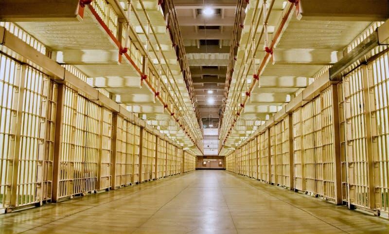 Bloco de cela com pilhas em ambos os lados imagens de stock royalty free