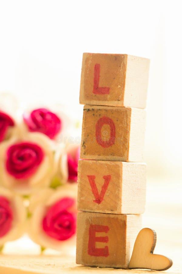 Bloco de palavra do amor imagens de stock