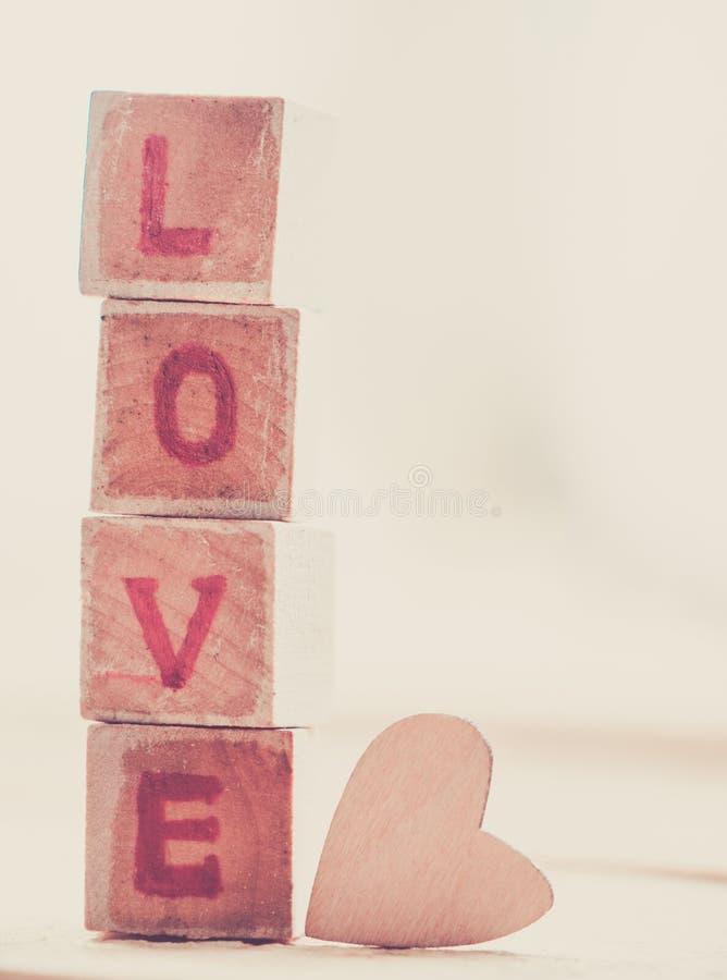Bloco de palavra do amor foto de stock