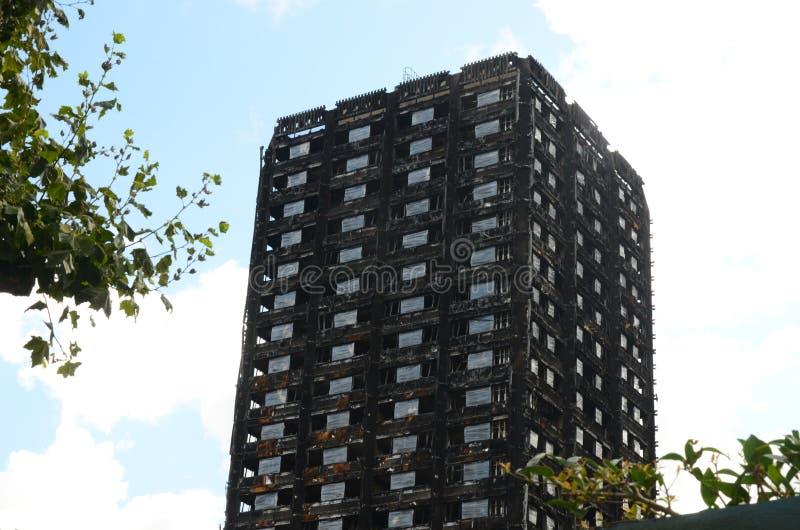 Bloco de torre Kensington de Grenfell Londres imagens de stock