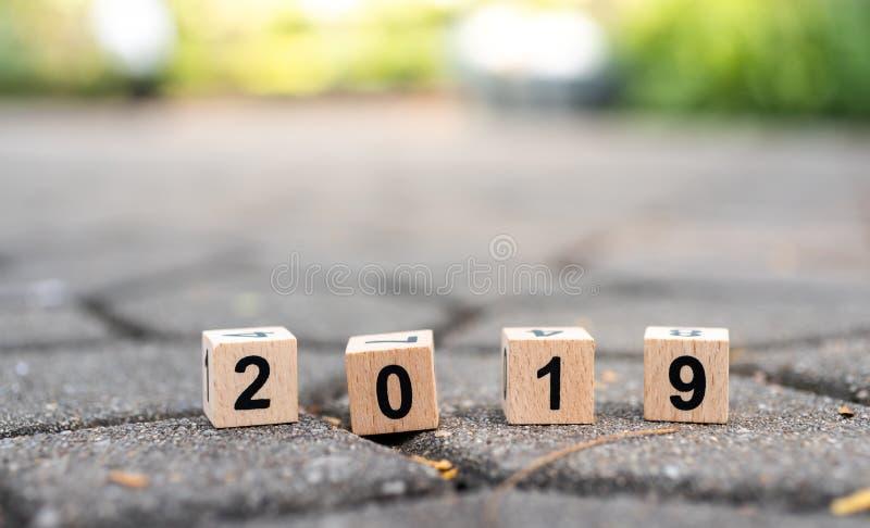 Bloco número de madeira 2019 Uso da imagem pelo ano novo feliz do fundo, conceito do negócio fotos de stock royalty free