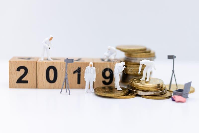 Bloco número de madeira 2019 Uso da imagem pelo ano novo feliz do fundo, conceito do negócio fotografia de stock