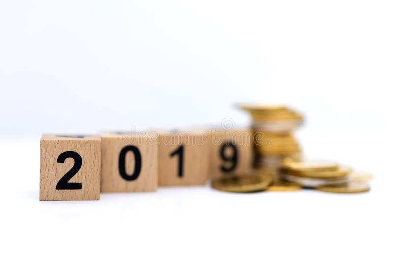 Bloco número de madeira 2019 Uso da imagem pelo ano novo feliz do fundo, conceito do negócio fotos de stock