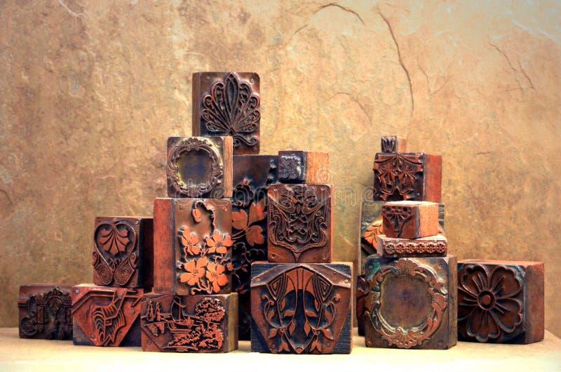Blocos de impressão de cobre antigos imagem de stock