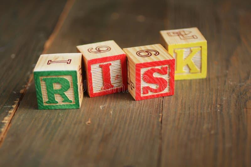 Blocos de madeira do risco