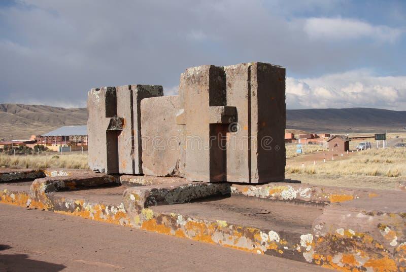 Blocos enormes de ruínas de Punku do puma, Tiwanaku, Bolívia imagem de stock royalty free