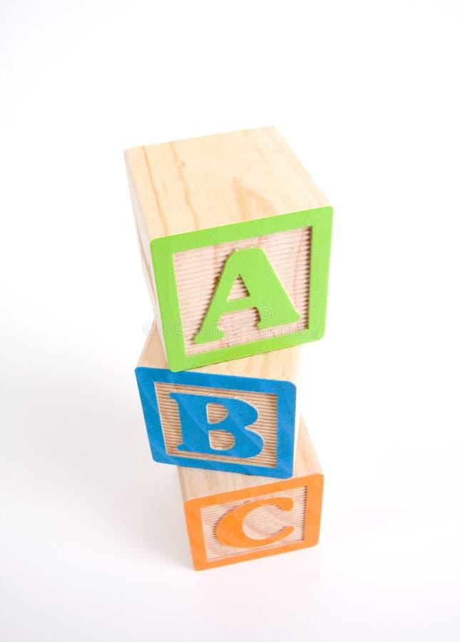 Blocs en bois colorés d'ABC image stock