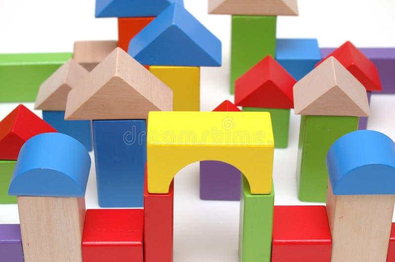 Blocs en bois de jouet images libres de droits