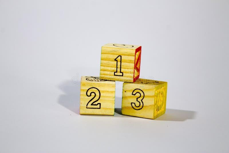 123 blocs en bois images libres de droits