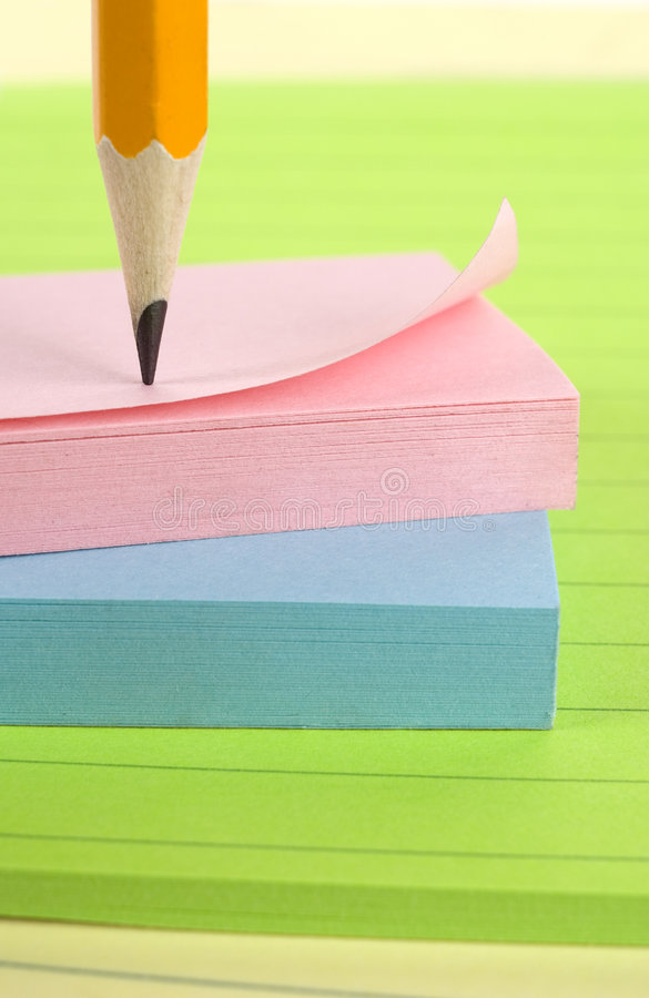 Blocs-notes avec le crayon. photo stock