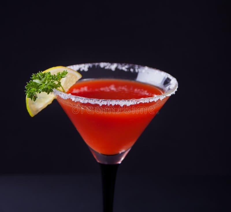 blodigt coctailexponeringsglas mary Kryddig drink f royaltyfri bild