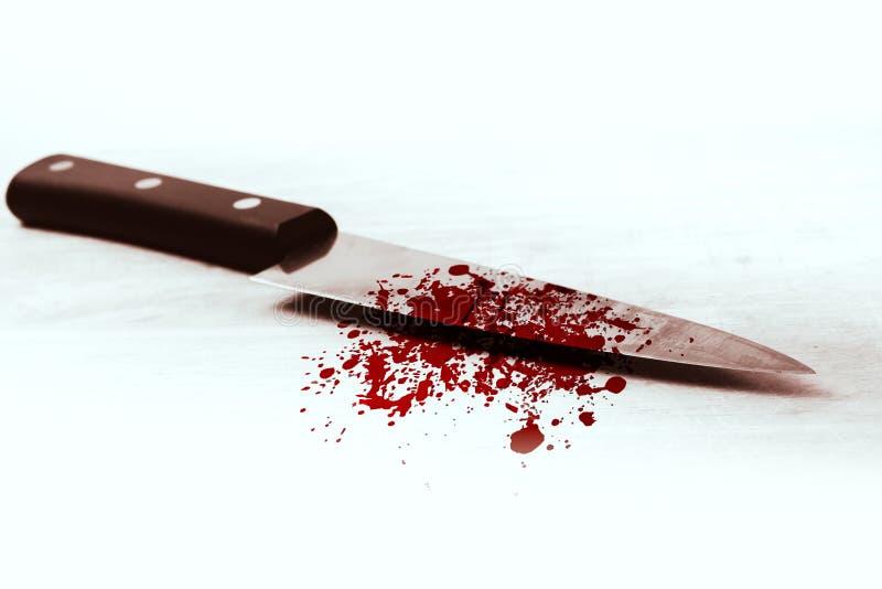 Blodkniv, mördareviolancemördare royaltyfri bild
