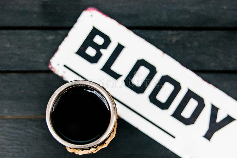 Bloedig drink wijn stock fotografie