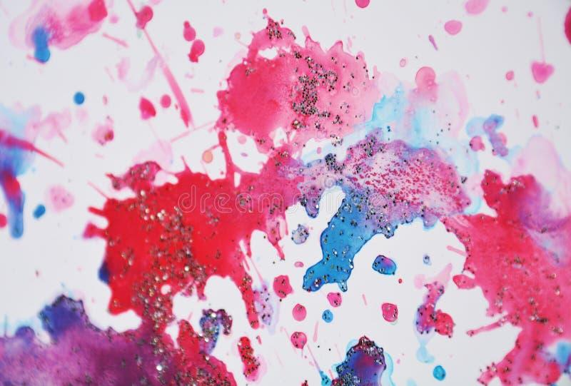 Bloedige rode roze blauwe pastelkleur fonkelende wasachtige vlekken, waterverfverf, kleurrijke tinten stock afbeelding