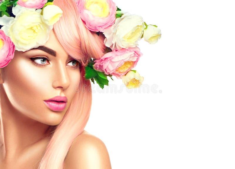 Bloeiende bloemenkroon op vrouwen` s hoofd royalty-vrije stock foto's