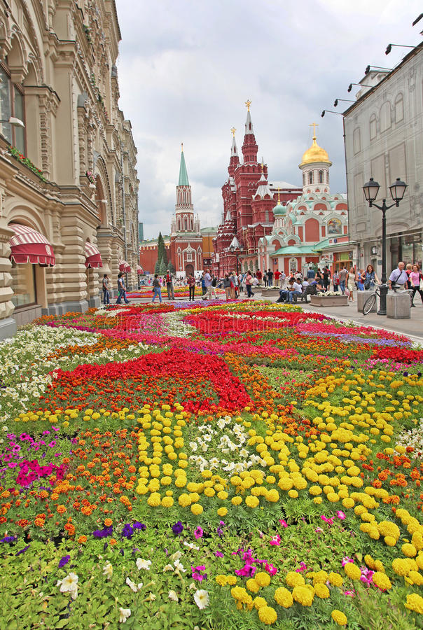 Bloeit dichtbij Rood Vierkant, Moskou stock foto
