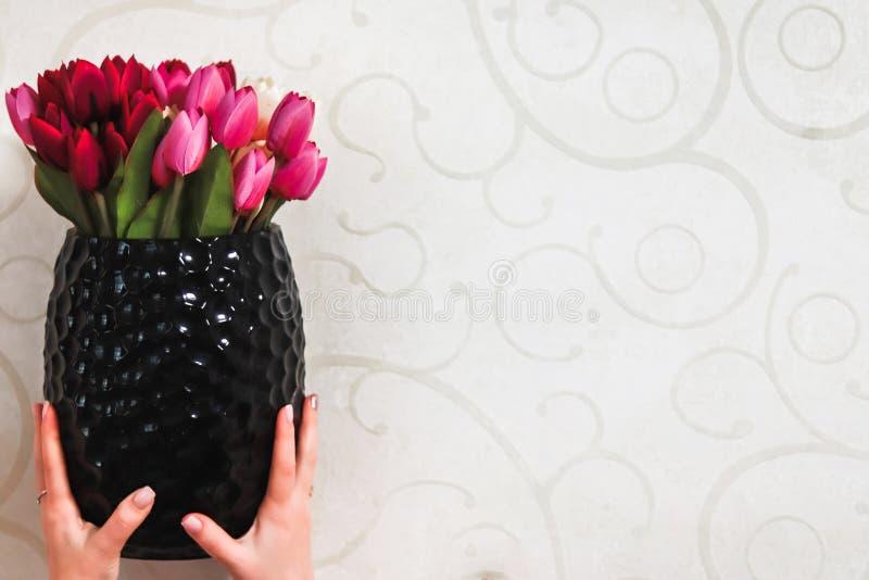 Bloemen in een vaas stock fotografie