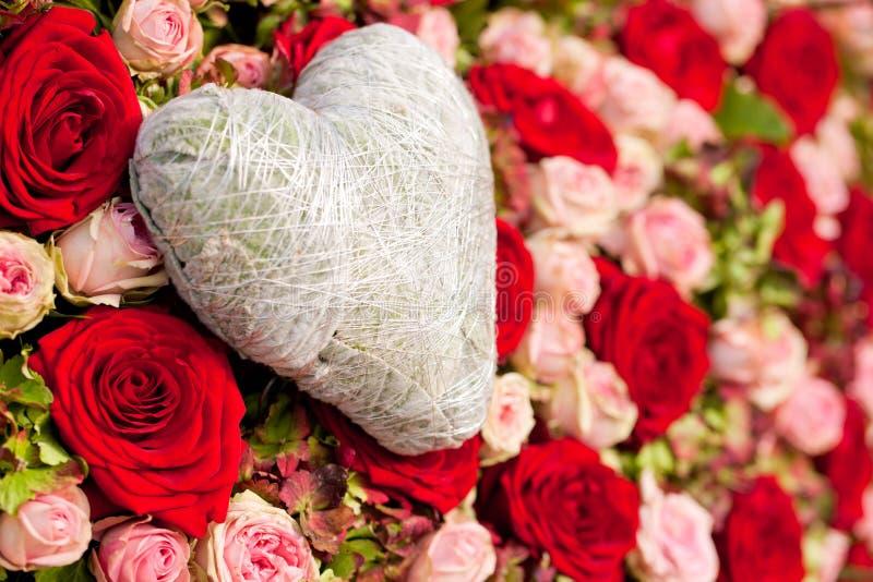 Bloemen en hart royalty-vrije stock foto's