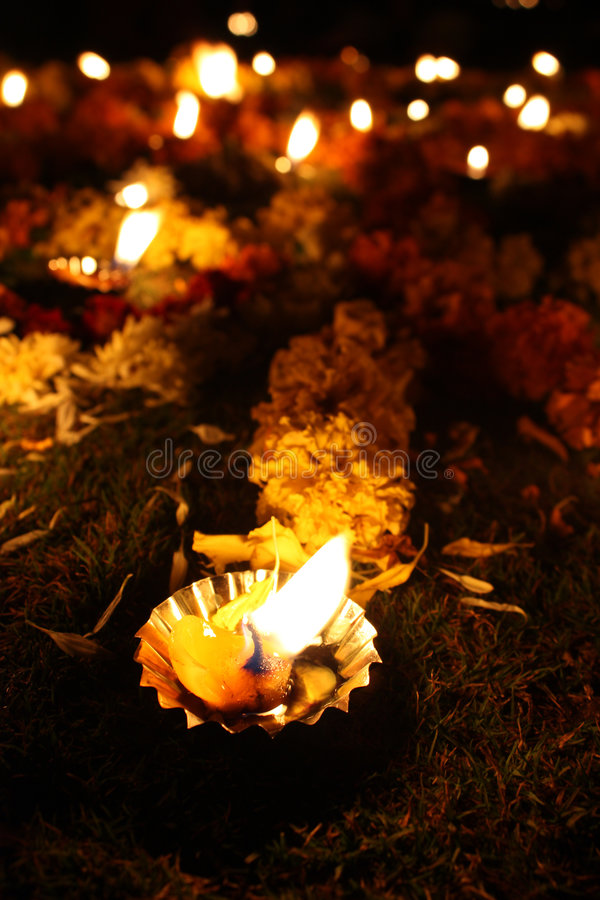 Bloemen Lampen Diwali stock afbeeldingen