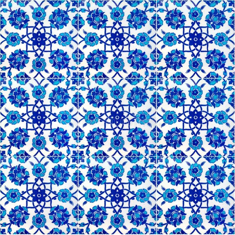 Bloemen patroon op oude Turkse tegels, Istanboel stock illustratie