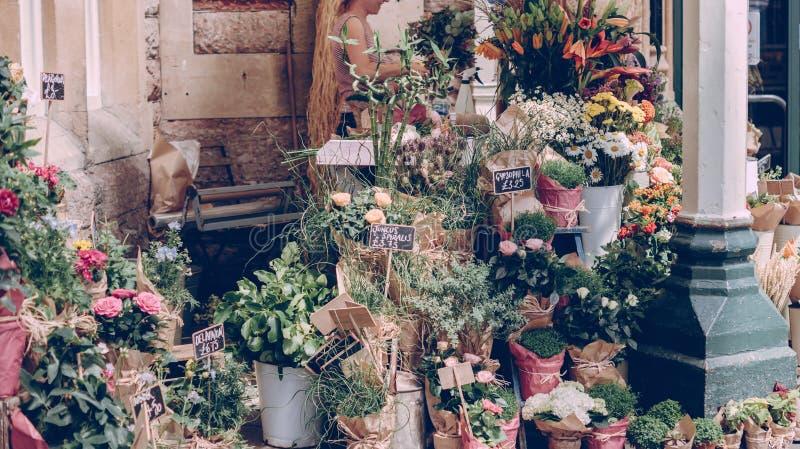 Bloemen voor verkoop stock afbeelding