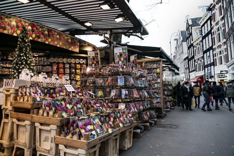 Bloemenmarkt η αγορά λουλουδιών στο Άμστερνταμ στοκ φωτογραφίες
