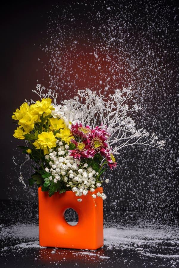 Bloemenregeling stock foto's