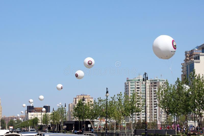 Bloemenvakantie in het park van de de Winterboulevard in Baku stad royalty-vrije stock fotografie