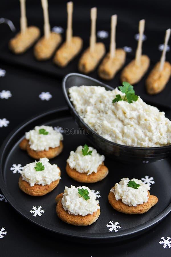 Bloemkool en mayonaisevoorgerechtsalade royalty-vrije stock foto's